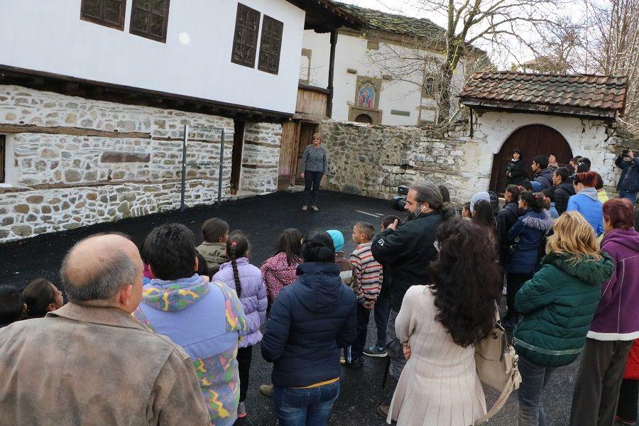 Откриване на реконструиран музеен обект - Старо класно училище (1848 г.) с музейна експозиция за историческото развитие на с. Видраре и образователното дело - Изображение 1