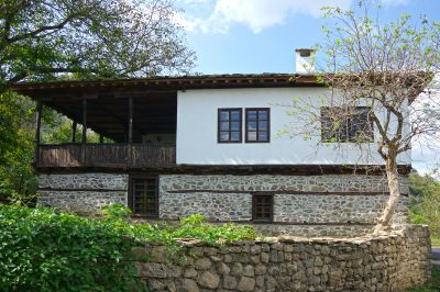 Старо класно училище с. Видраре - след проекта 12 - Проект - Правец Сурдулица