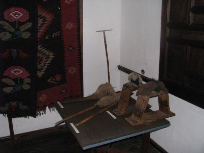 Част от експозицията в старото класно училище - Проект - Правец Сурдулица